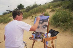 Artist Tom Cringle at Paint Out Norfolk, Wells Beach
